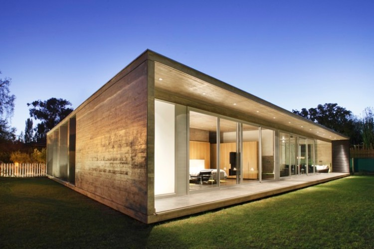 A Beautiful House With A Courtyard In Mendoza