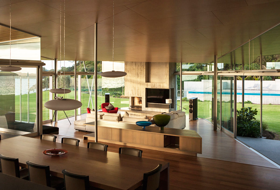 Mid century modern Fold House by Bossley Architects is clad with poplar wood