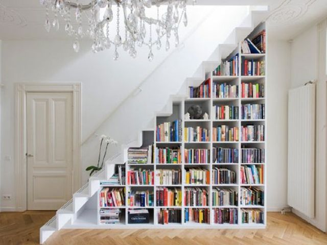 book shelves in the stairs