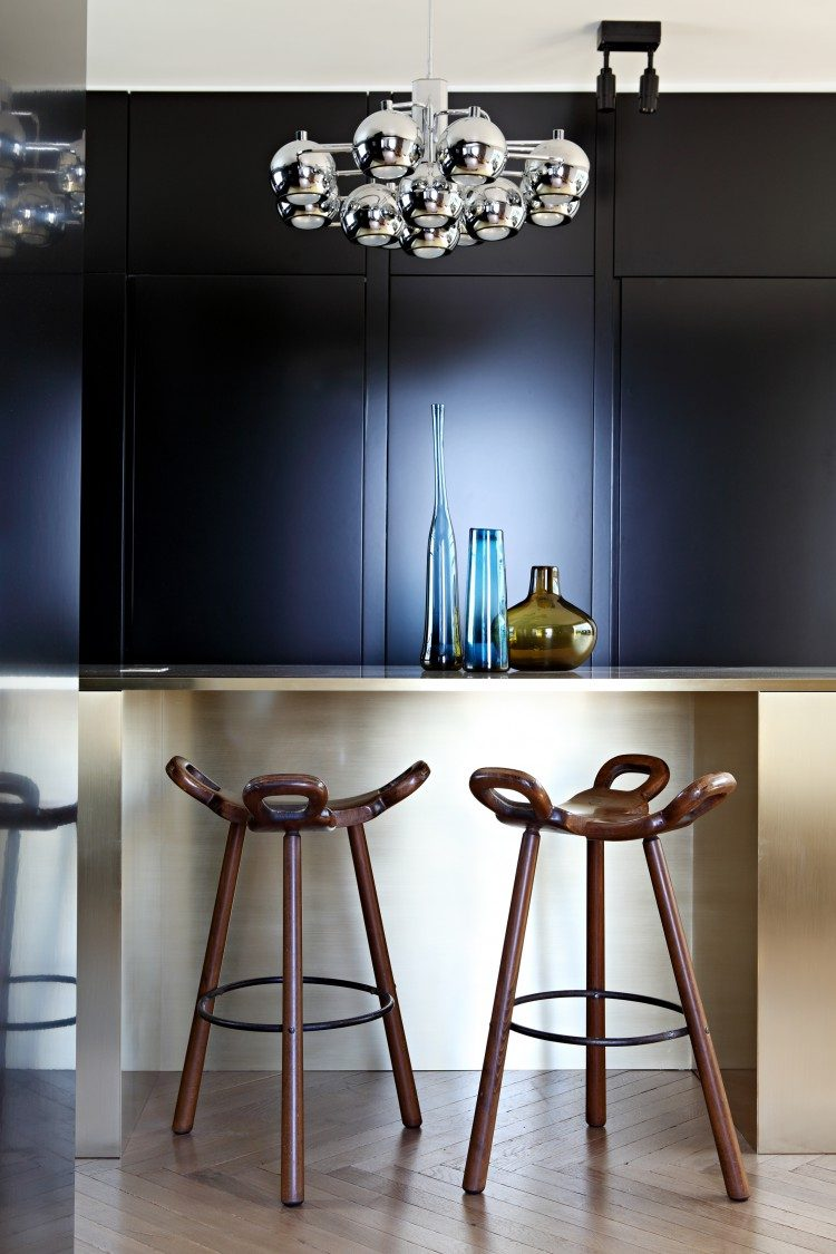 dining zone with knot stools