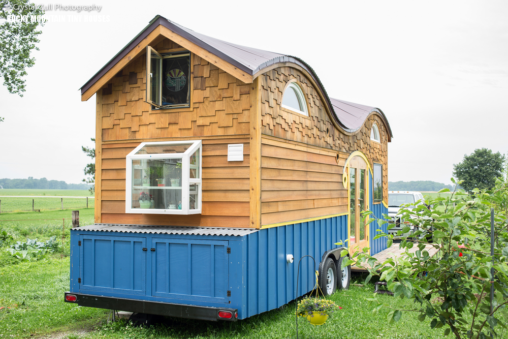 Cool tiny house on wheels with bedrooms for four digsdigs for Cool small houses