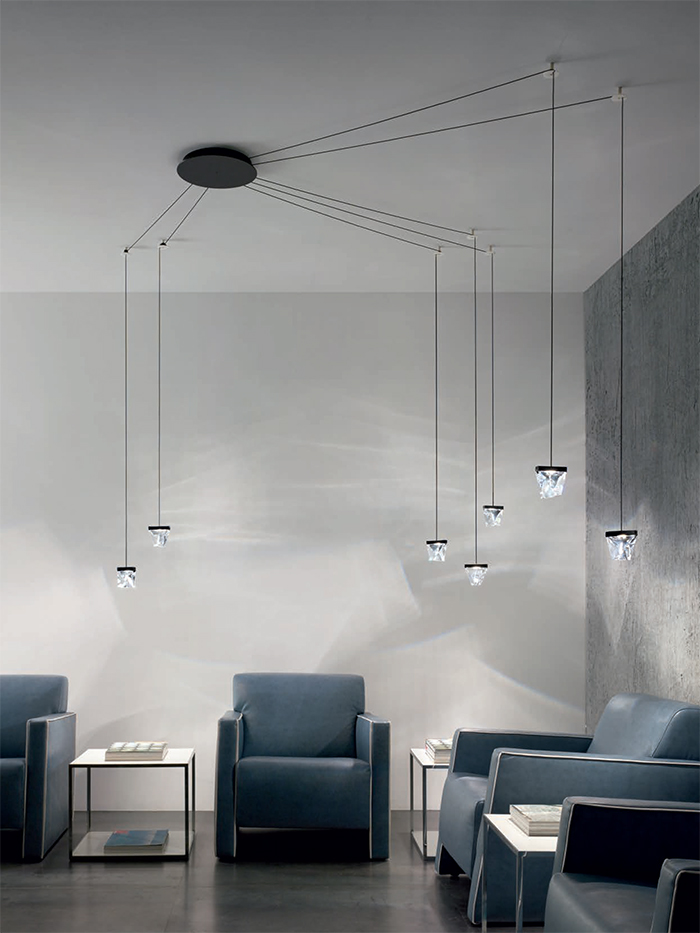 you can create your lighting installation of Tripla pieces