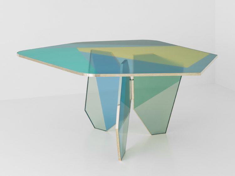 Esa table