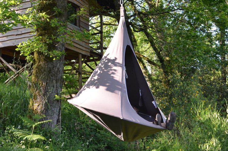 The piece is portable and can be used as a tent