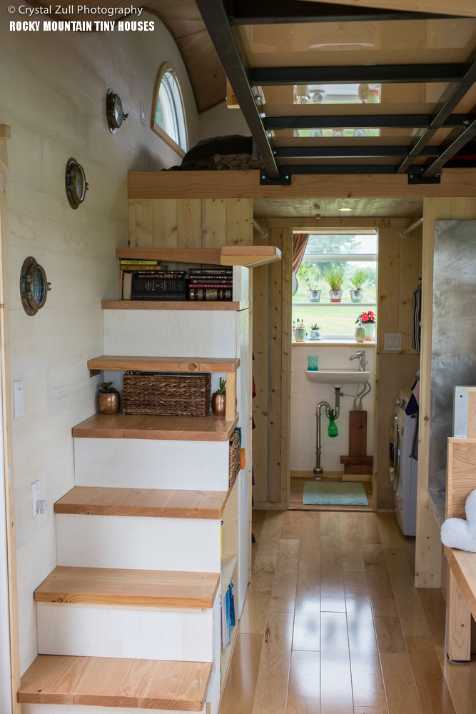 4 Bedroom Tiny House: Cool Tiny House On Wheels With Bedrooms For Four