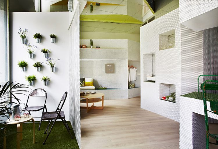 The apartment is seen like an integral space where each elements is in harmony with all the rest