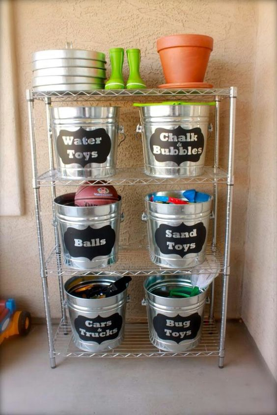 labeling buckets with kids' toys