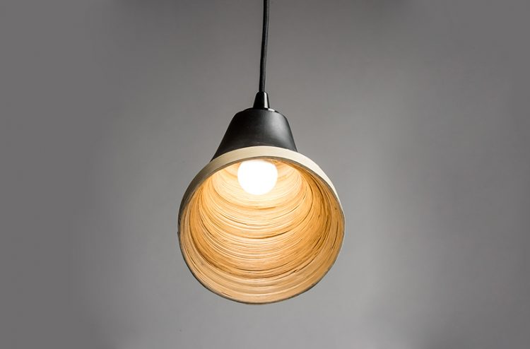 light highlights the Sagano lamp texture
