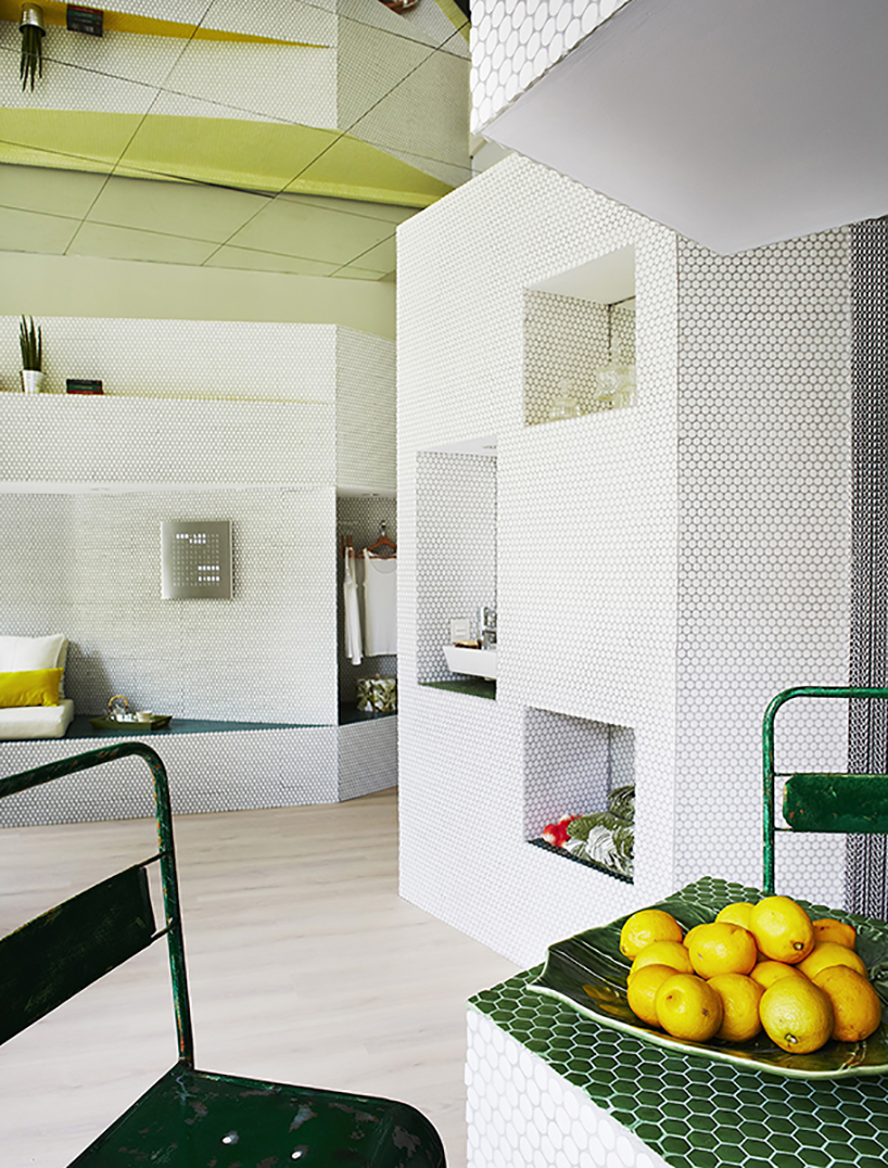 The use of space in different ways creates a unique concept without forgetting practicality and comfort