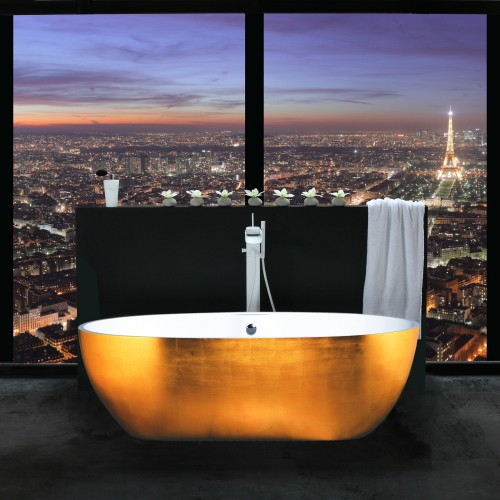 Bathroom With A WOW Paris View (via 24)