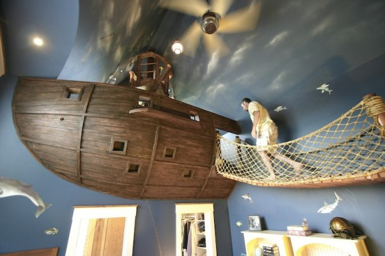 Pirate Ship Kids Bedroom (via mymodernmet)