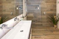 13 wood imitating shower tiles