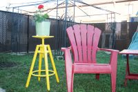 14 bold yellow Dalfred plant stand