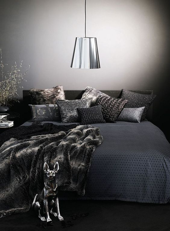 patterned black bedding