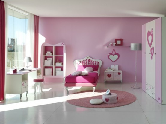 http://www.digsdigs.com/photos/15-Cool-Ideas-for-pink-girls-bedrooms-7-554x415.jpg