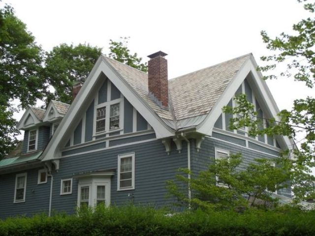 cross gable roof with dormers