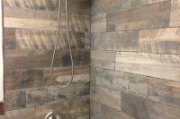 15 wood-inspired shower tiles