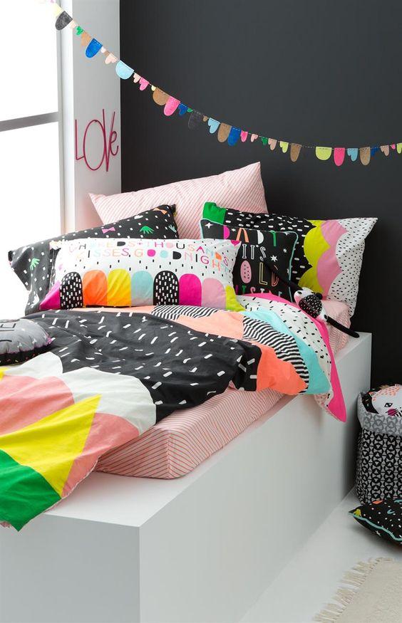 bold print bedding set