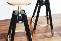 16 chic gilded Dalfred bar stool