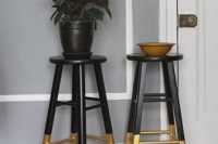 17 gilded legs Dalfred to act as a plant stand