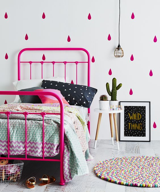 Unique colorful patterned bedding