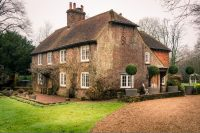 1900-s-english-countryside-home-breathing-with-style-1