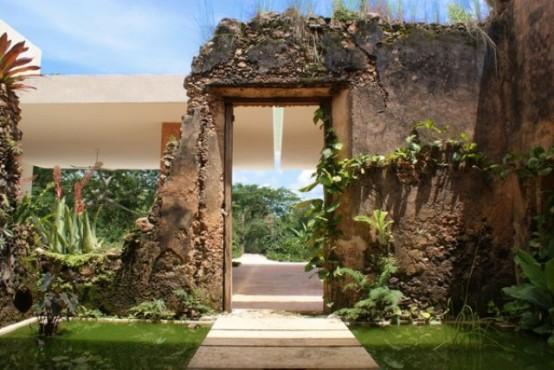 19th Century Bacoc Hacienda With A Rustic Feel