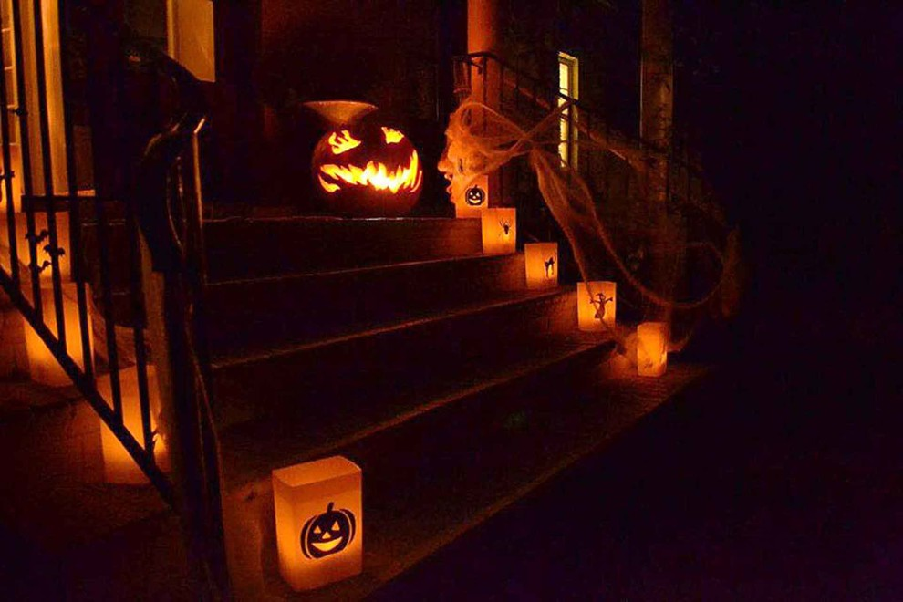 cool outdoor halloween decorating ideas