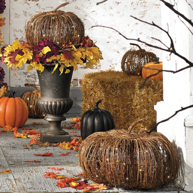 Halloween Outdoor Yard Decorations: 125 Cool Outdoor Halloween Decorating Ideas