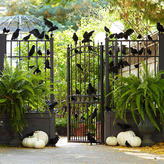 Halloween.. 90-cool-outdoor-halloween-decorating-ideas-27