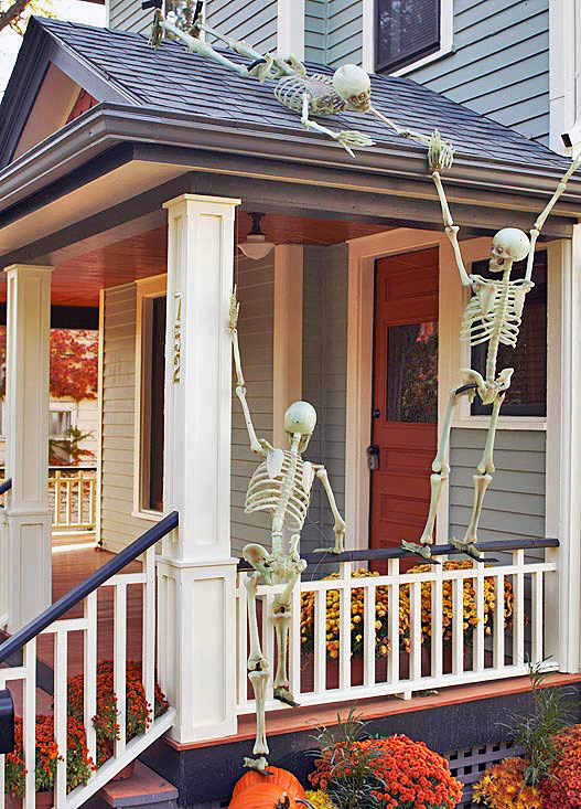 Decorating Ideas > 125 Cool Outdoor Halloween Decorating Ideas  DigsDigs ~ 023923_Halloween Decorating Ideas Porch