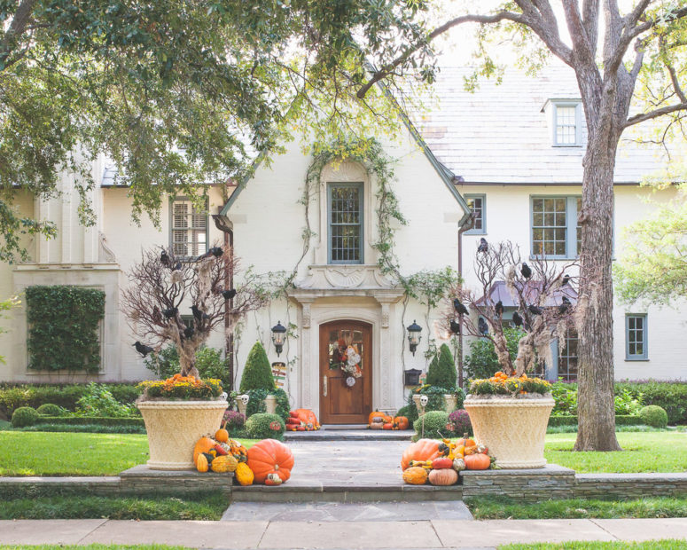Halloween Front Yard Decoration Ideas Part - 16: Cool Outdoor Halloween Decorating Ideas