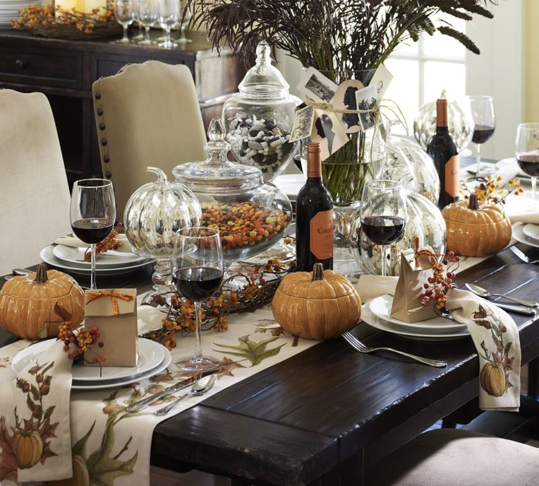 55 beautiful thanksgiving table decor ideas digsdigs - Thanksgiving dinner table decorations ...