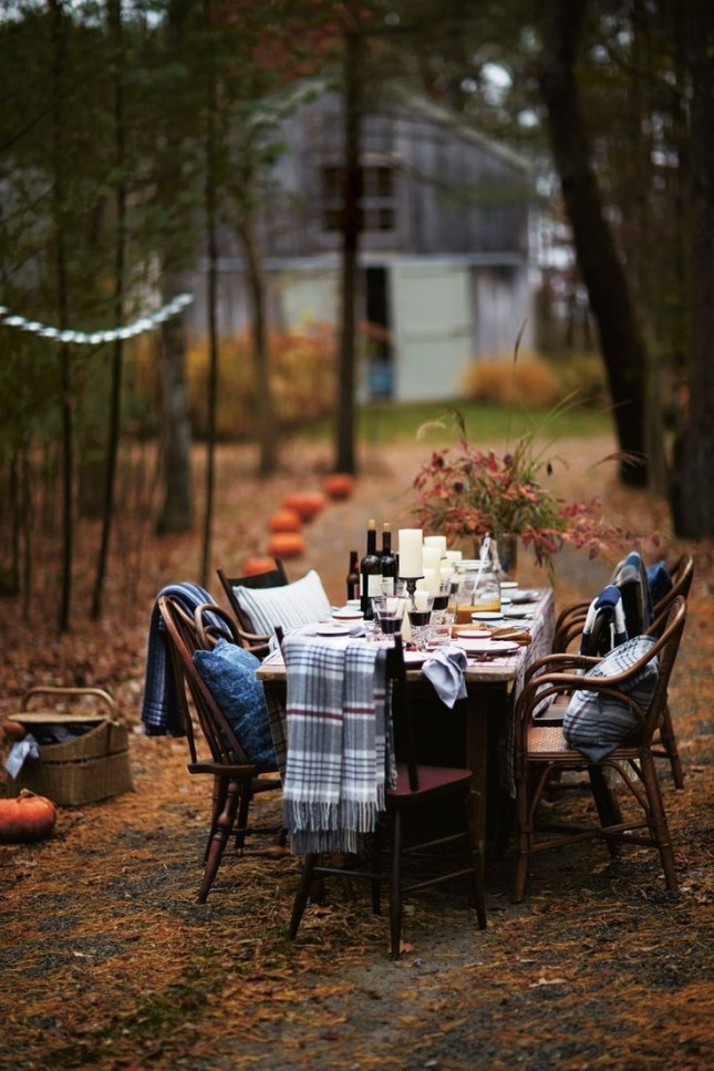 If you're planning an outdoor Thanksgiving supper then don't forget to add blankets on each chair. It could be chilly this time of the year...