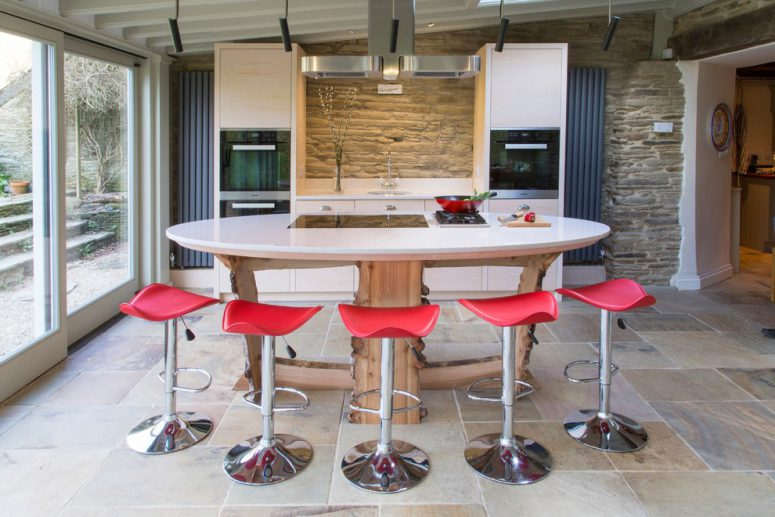 Round Kitchen Island Is Much More Interesting Choice Than A Standard  Rectangular One