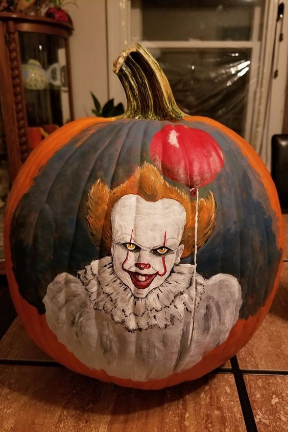 a scary and beautiful Pennywise pumpkin is a gorgeous idea for your Halloween party and is lovely
