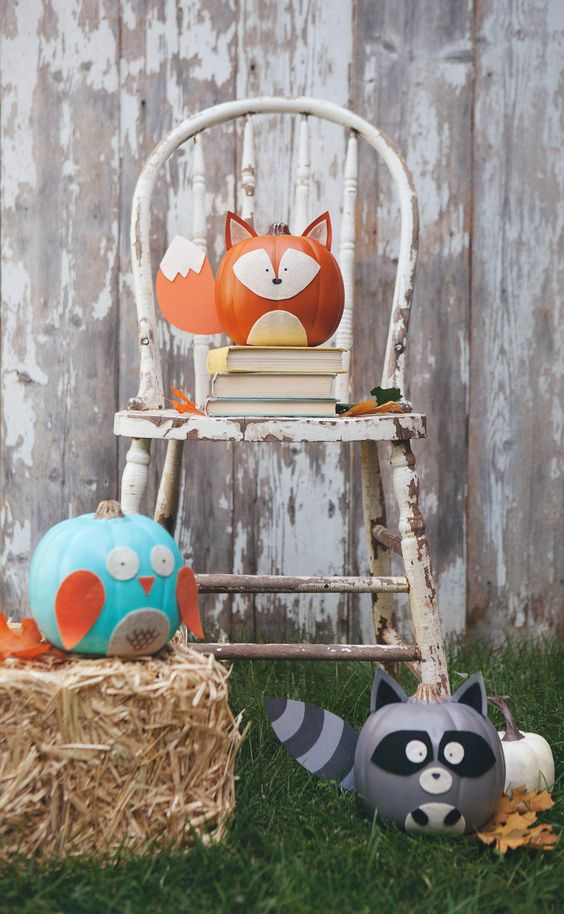 woodland creatures made of pumpkins are a great idea to decorate your space for fall or Halloween and look awesome