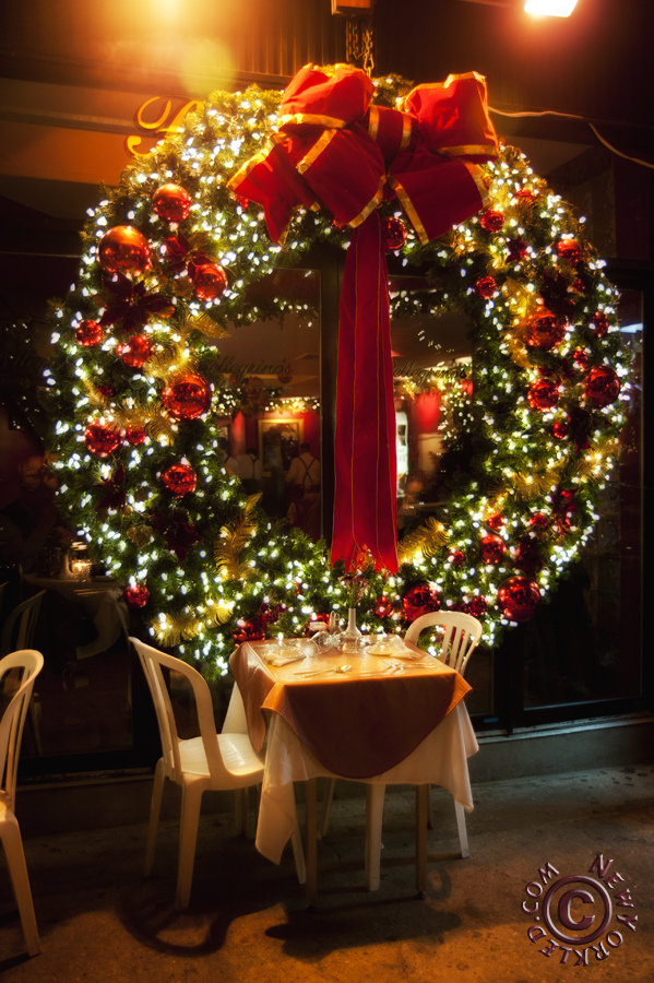 Who Said A Wreath Should Be Small? This Christmas Wreath Is Perfect For  Some Restaurant