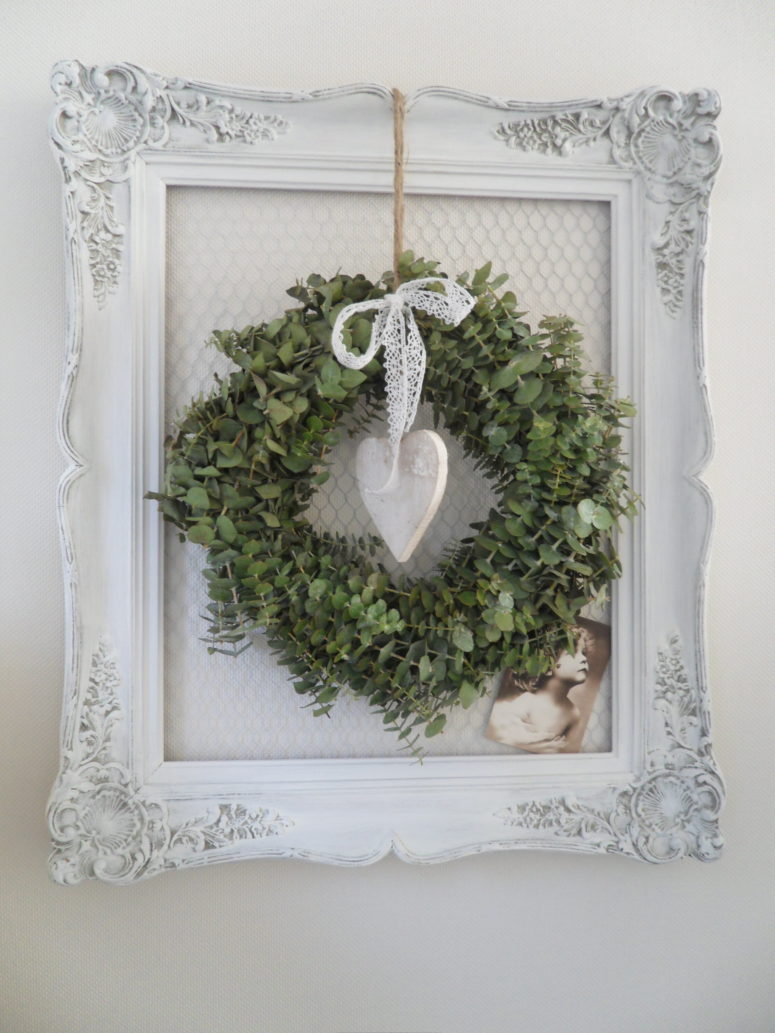 Framed eucalyptus wreath would always looks stylish and smells great.