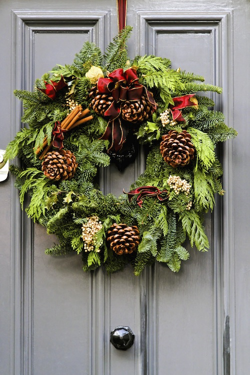 awesome christmas wreaths ideas for all types of decor