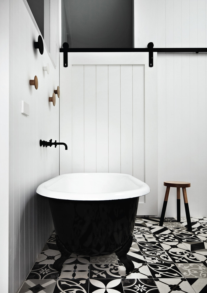 71 cool black and white bathroom design ideas digsdigs Classic bathroom tile ideas
