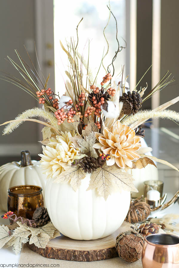 65 awesome pumpkin centerpieces for fall and halloween for Pictures of fall table decorations
