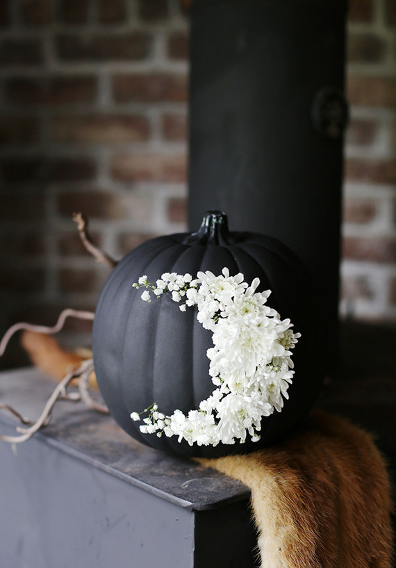 matte black paint gives pumpkins an extra dose of creepiness image result for halloween bathroom decor - Elegant Halloween Decor