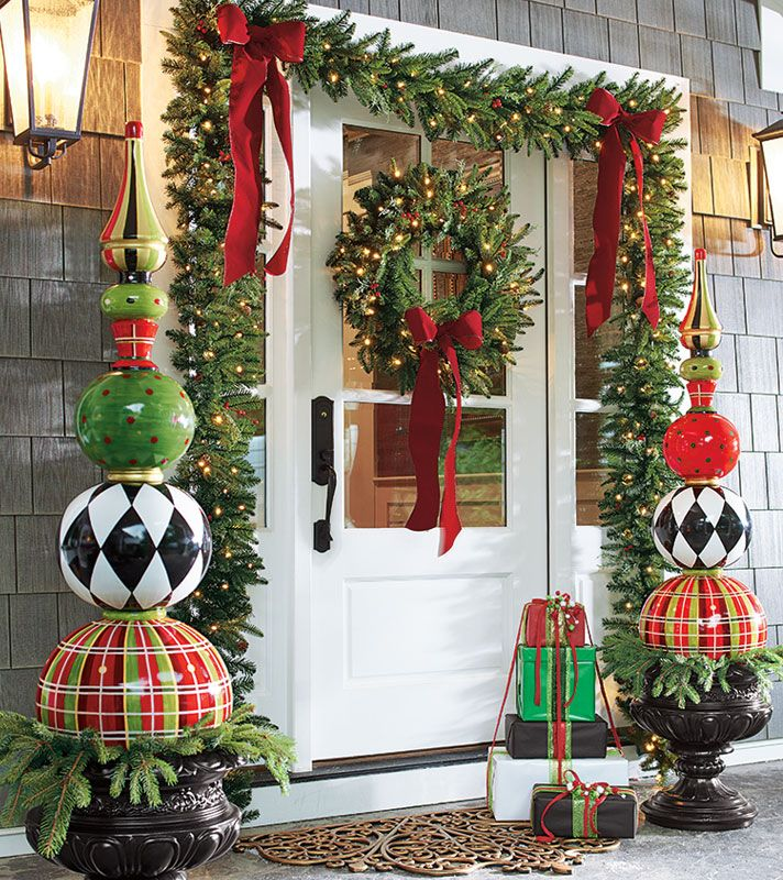 95 amazing outdoor christmas decorations digsdigs for Large christmas decorations