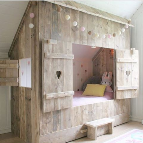 50 super practical hidden beds to save the space digsdigs for Diy rustic bunk beds