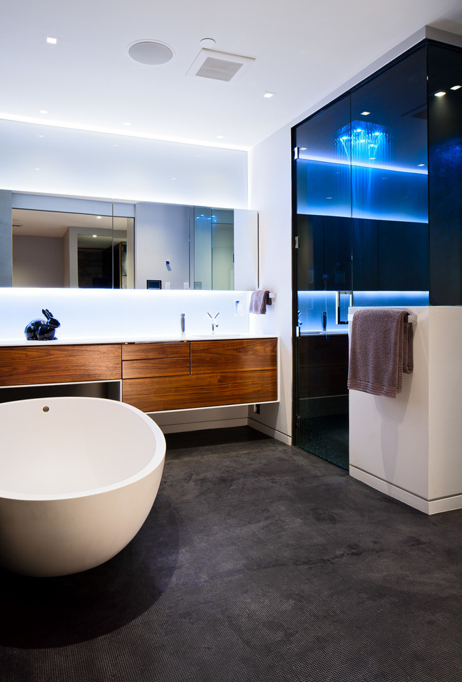 Ultra modern bathroom designs usually are quite manly cuz there aren't many cozy decor items.