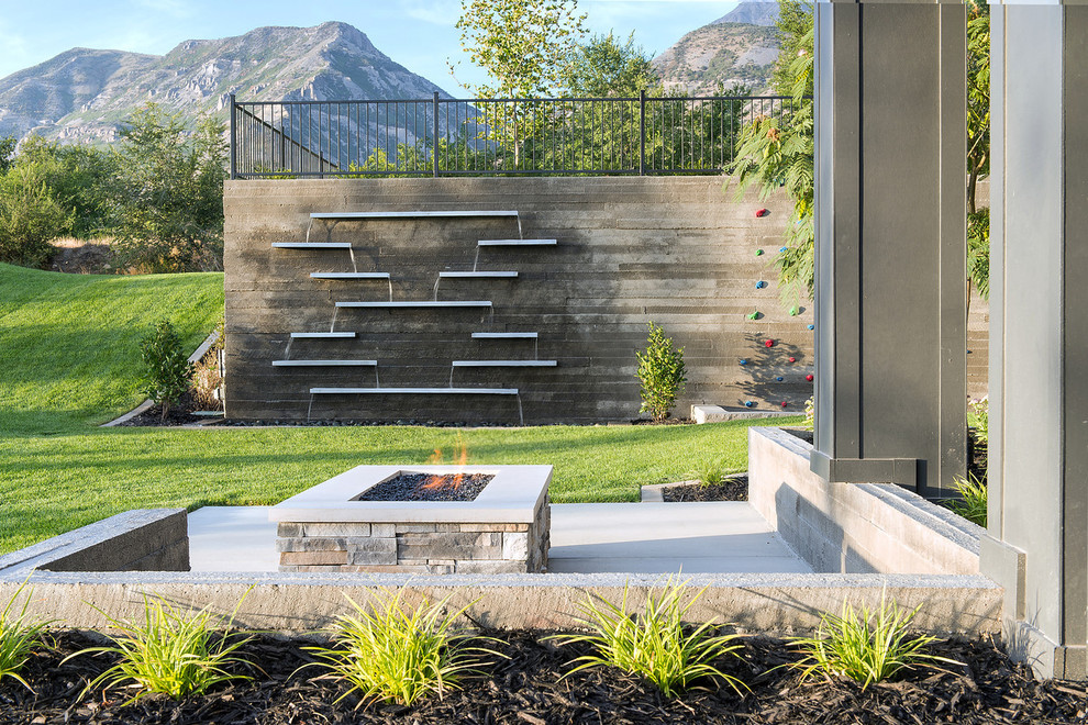A Creative Alternative To Standard Water Walls. Perfect To Make An Outdoor  Space Look More