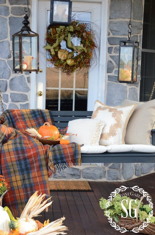 cozy fall patio decorating ideas