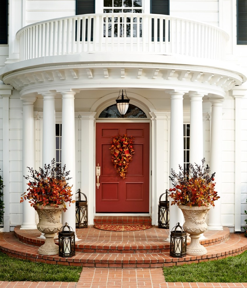 67 cute and inviting fall front door d cor ideas digsdigs for Front house entrance design ideas