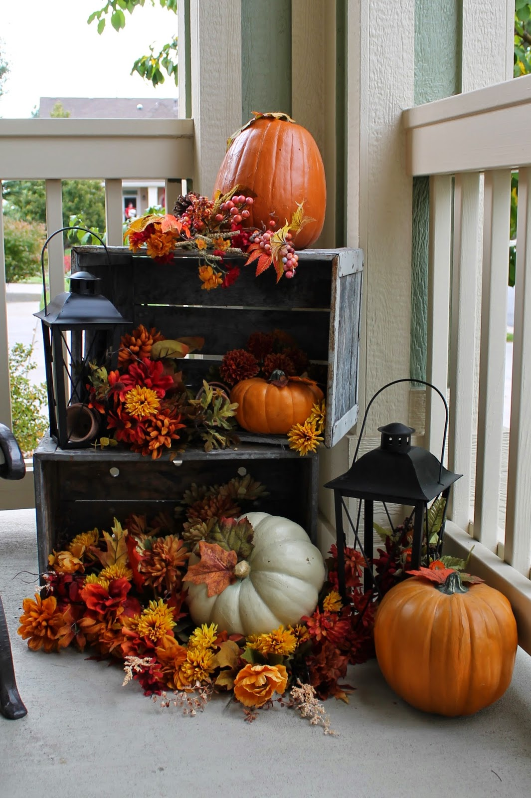 85 pretty autumn porch d cor ideas digsdigs - Decoration mural design ...